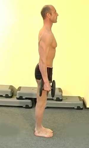 Упражнение с гантелями - выпады назад для мышц бёдер и ягодиц