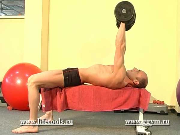 Жим гантелей лёжа для мышц груди