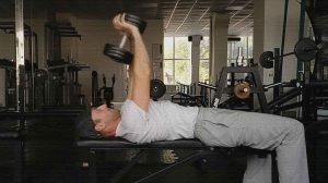 Упражнение пулл-овер с гантелью