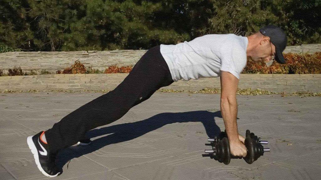Тяга гантелей из упора лёжа. Упражнение для широчайших мышц и кора.