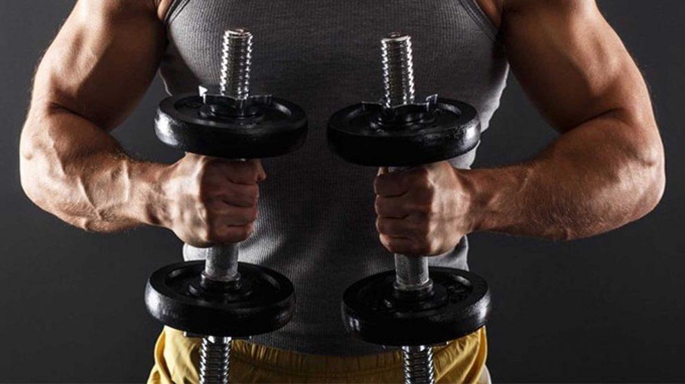 Упражнения с гантелями. Четыре полезные комбинации.