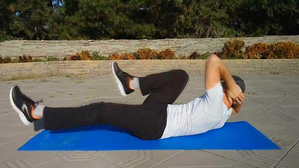 Упражнения для мышц пресса. Комбинированные скручивания