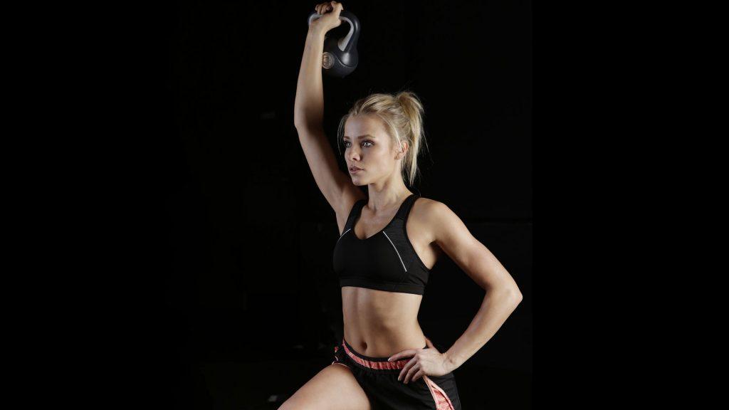 Упражнения с гирями для женщин