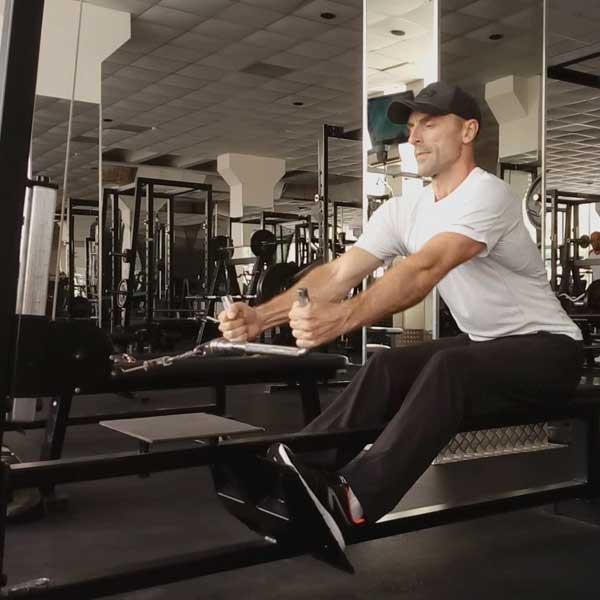 Упражнения для спины. Горизонтальная тяга.