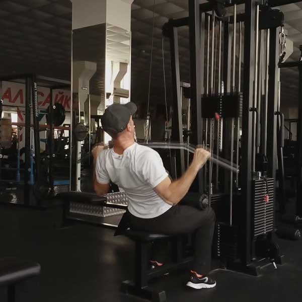 Упражнения для мышц спины. Вертикальная тяга.