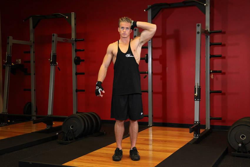 Упражнения для мышц шеи. Давление рукой сбоку.