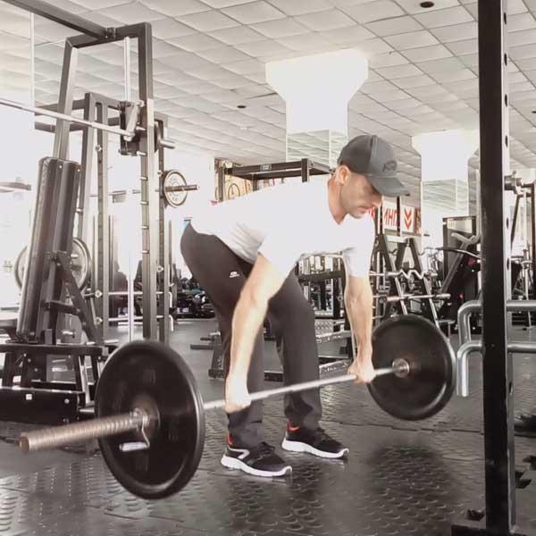 Тяга штанги в наклоне для широчайших мышц