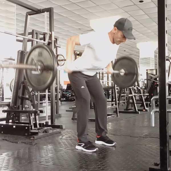 Упражнение для мышц спины - тяга штанги в наклоне