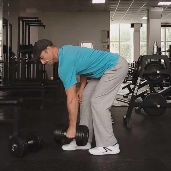 Упражнение для мышц спины - тяга одной гантели в наклоне