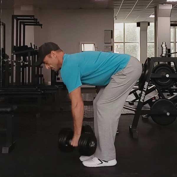 Упражнение тяга гантелей в наклоне