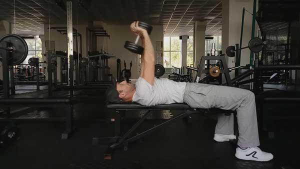 Упражнение пулл-овер для мышц спины и груди