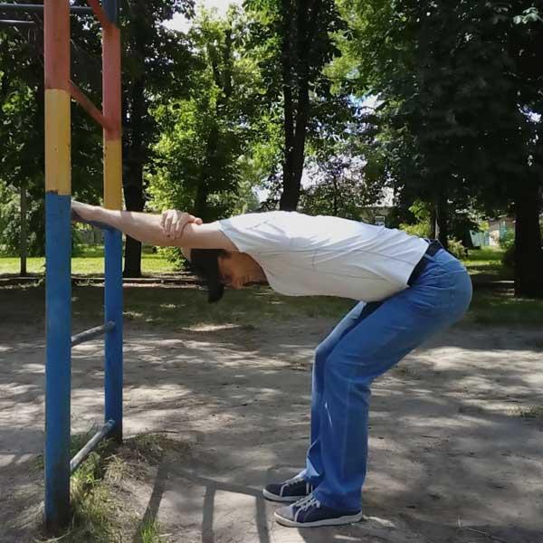 Упражнения для спины. Растяжка широчайших мышц.