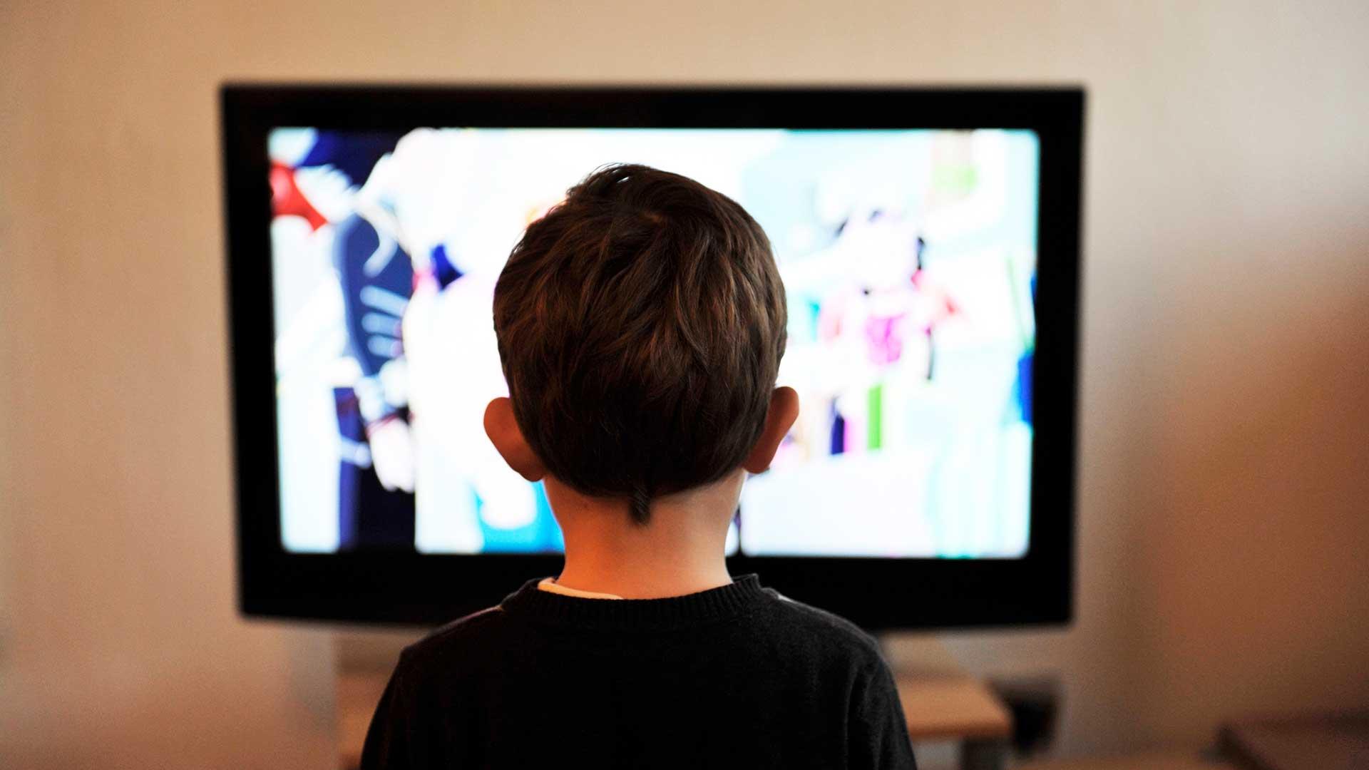 Как мы избавляемся от детей с помощью телевизора и как это исправить