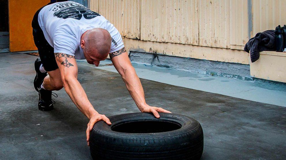 Что такое кроссфит и как там тренируются?